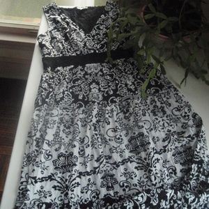~Charter Club Black And White Floral Dress~